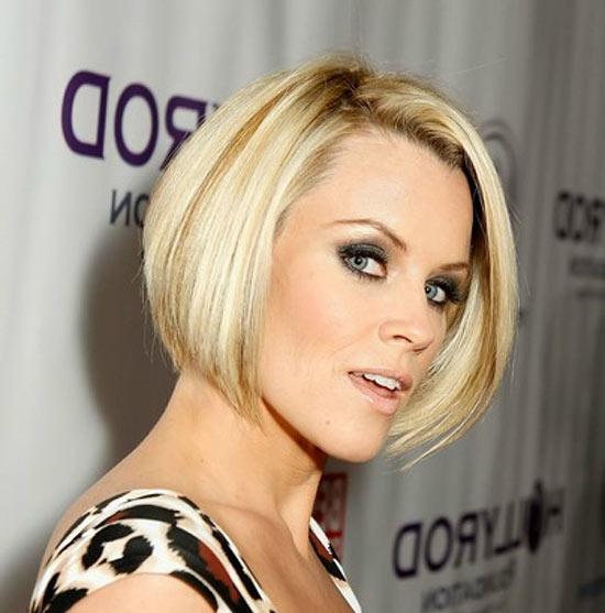 Jenny McCarthy Graduated Bob Haircuts