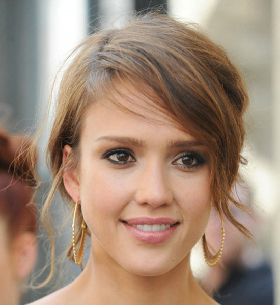 Jessica Alba Sassy Bob Haircuts for Round Faces