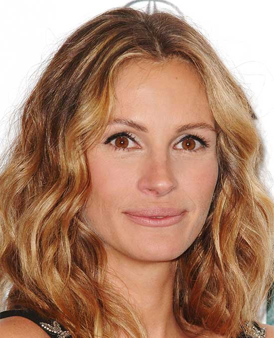 Julia Roberts Medium Length Haircuts for Thick Hair