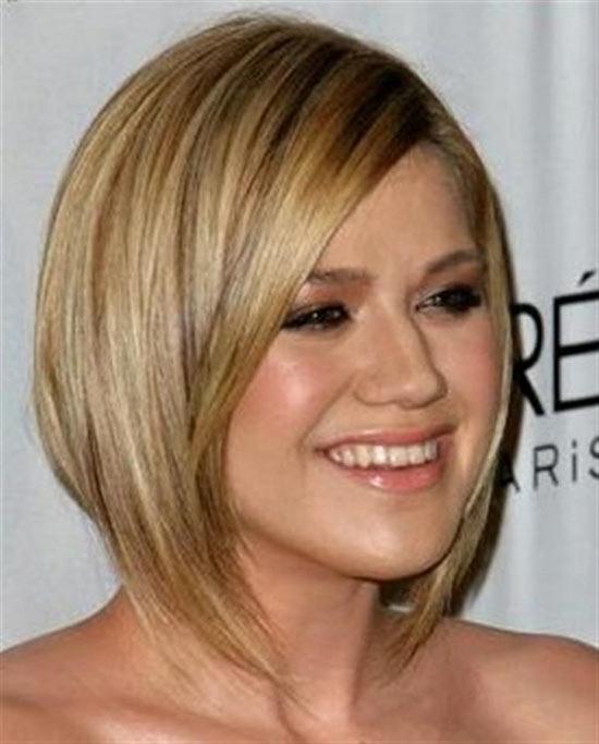 Kelly Clarkson Angled Bob Hairstyle