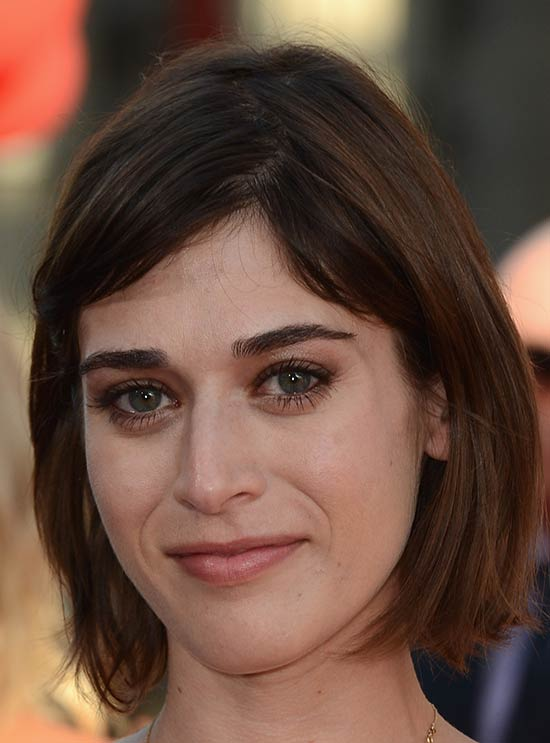 Lizzy Caplan Medium Bob Hairstyles
