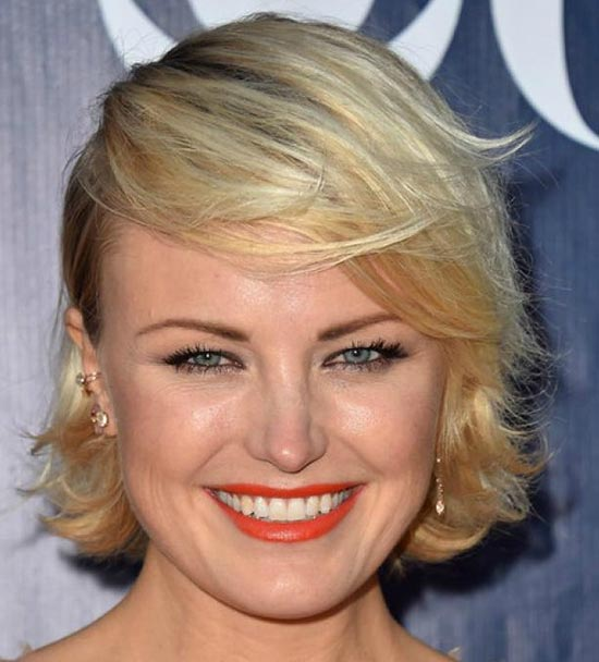 Malin Akerman Messy bob haircuts