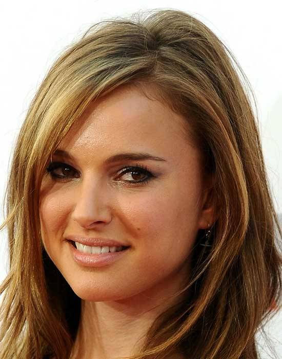 30 Beautiful Medium Hairstyles For Round Faces You Should Try