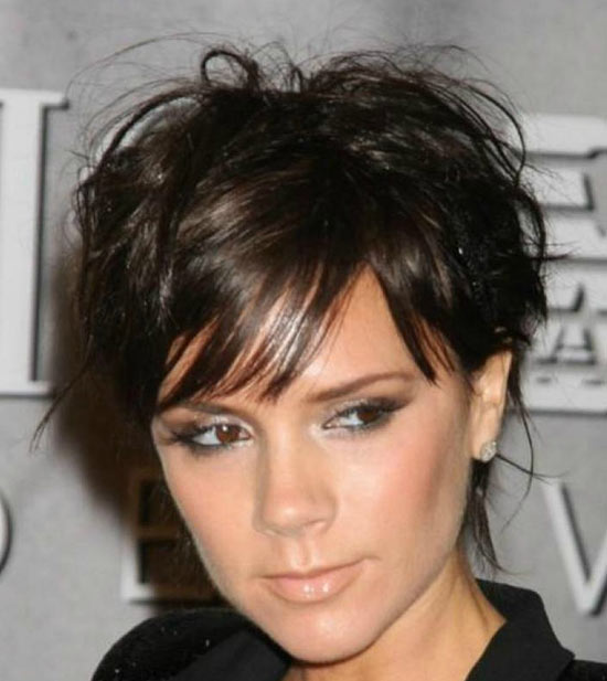 victoria-beckham Sassy Bob Haircuts for Round Faces