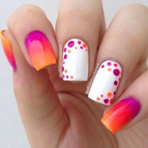 Spring summer Polka Dot Nail Art