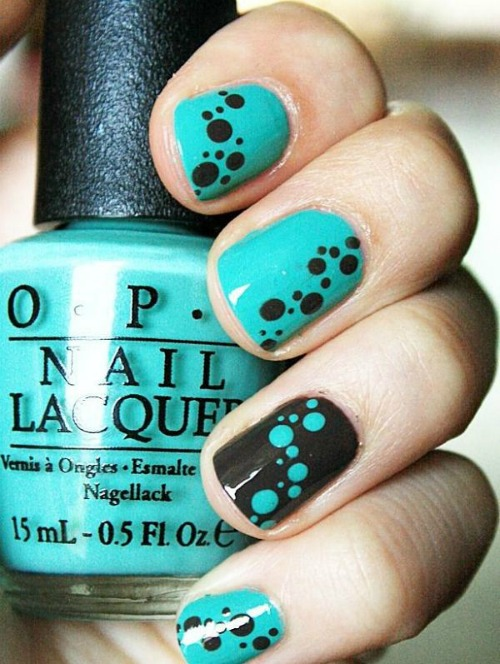 Tribal pattern Polka Dot Nail Art