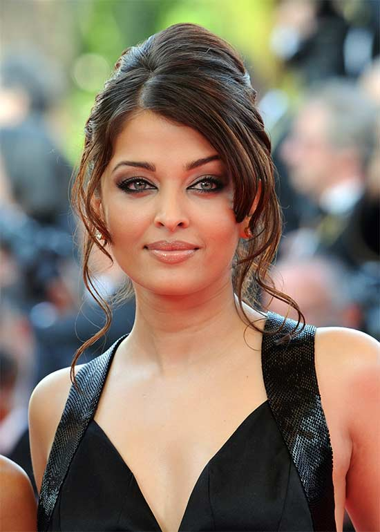 Aishwarya-long-hair-with-round-face