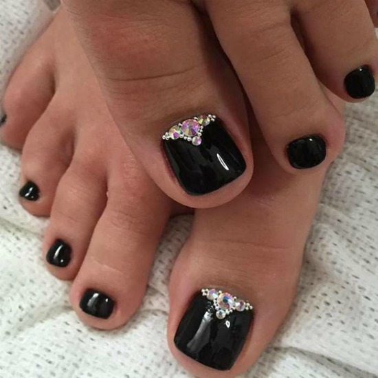 Black Rhinestones Toe Nail Art Design