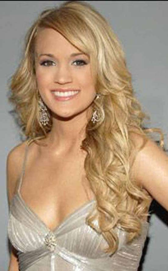 Carrie Underwood Blonde Messy Hairstyle