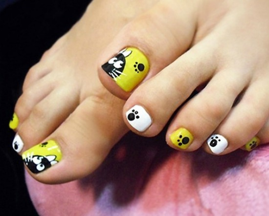 Cat Paw Prints Toe Nail Art Design