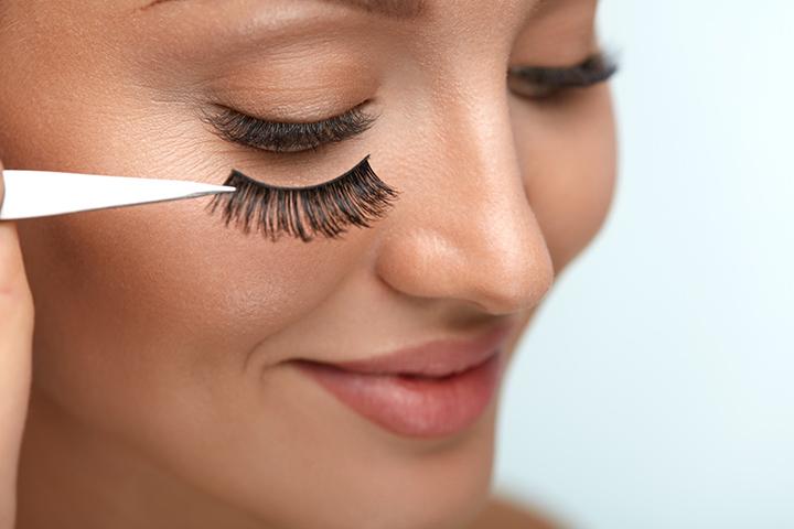 Fix fake eyelashes the Right Way