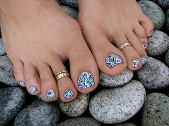 Glitter Gel Toe Nail Art Design