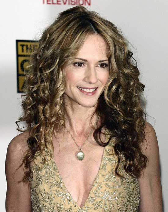 Holly Hunter long Curly Hair Style