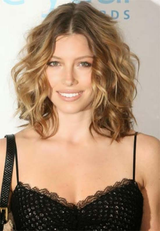 Jessica Biel Medium short curly shag