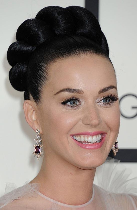 Katy Perry classic bun