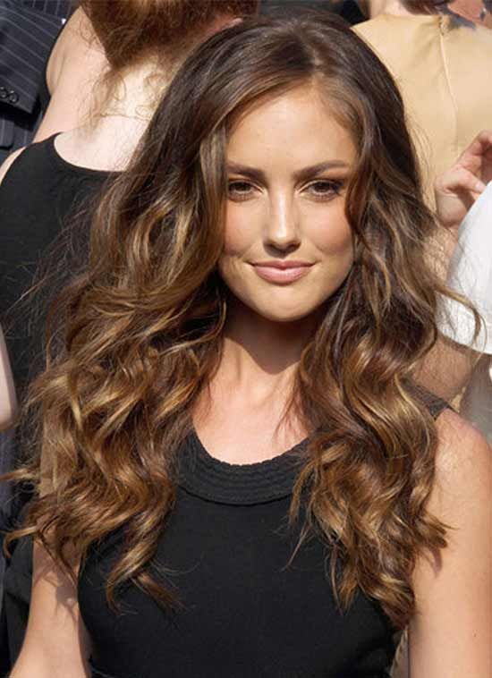Minka Kelly best long curly hairstyles for black women