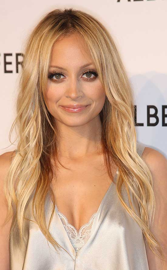 Nicole Richie long thin hair style
