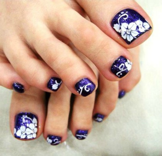 Purple toe nail Art Design