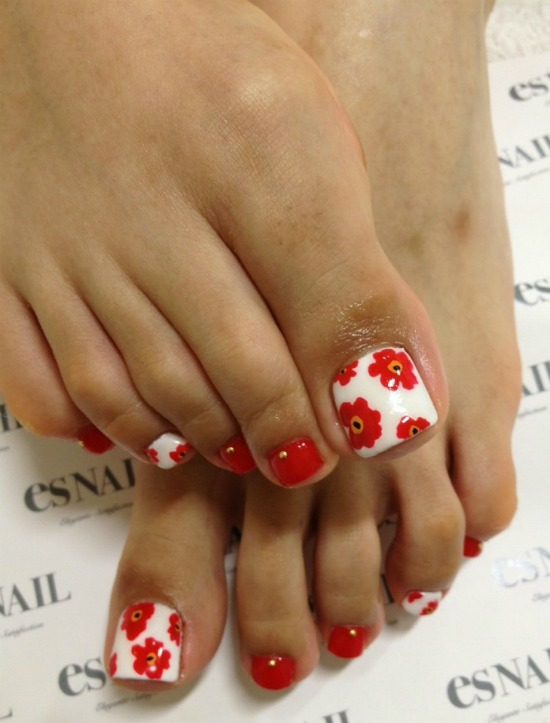 Red and white flower toe nail Art design