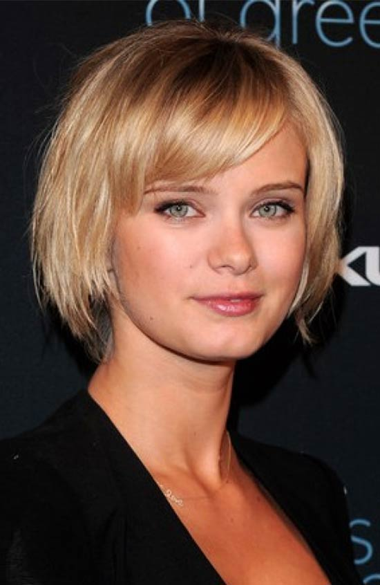 Sara Paxton short hairstyles with fringe cut