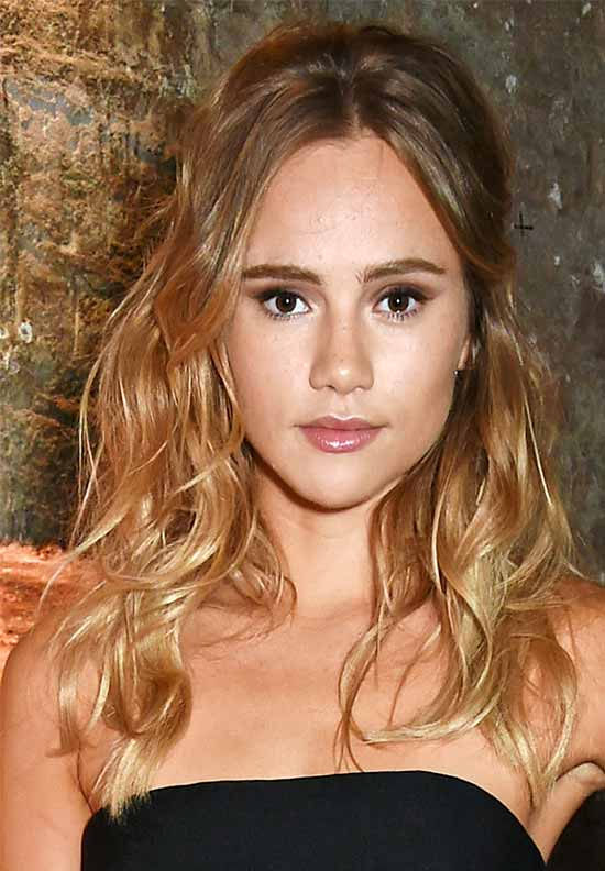 Suki Waterhouse blonde hair