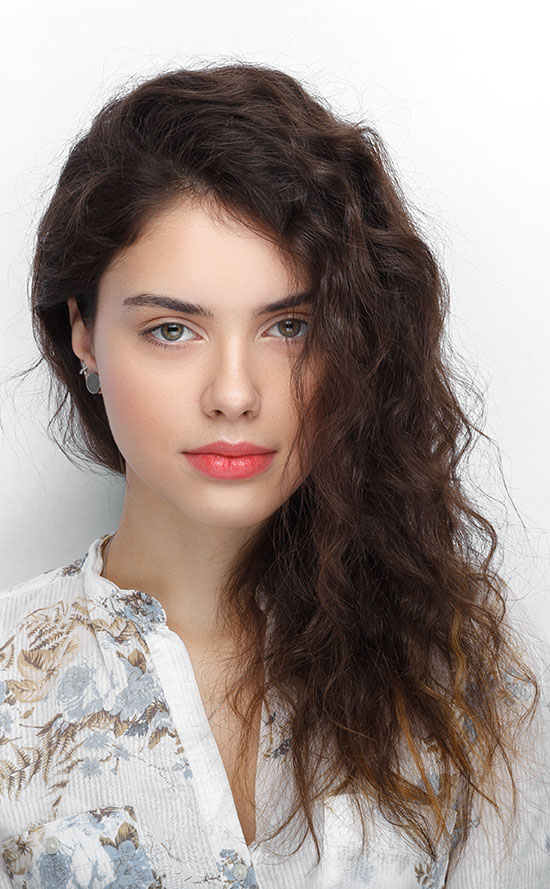 side part long curly hairstyles