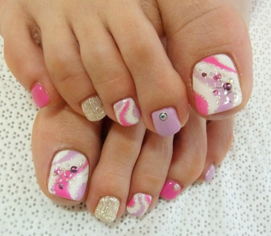 toe nail Art Decoration with stones
