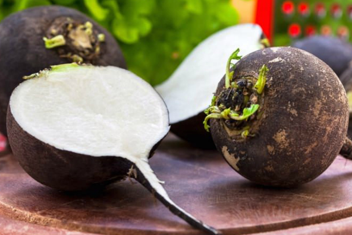 23 Amazing Black Radish Juice Benefits