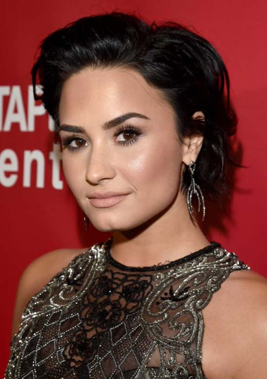 Demi Lotavo Easy Short Hairstyles For Round Faces