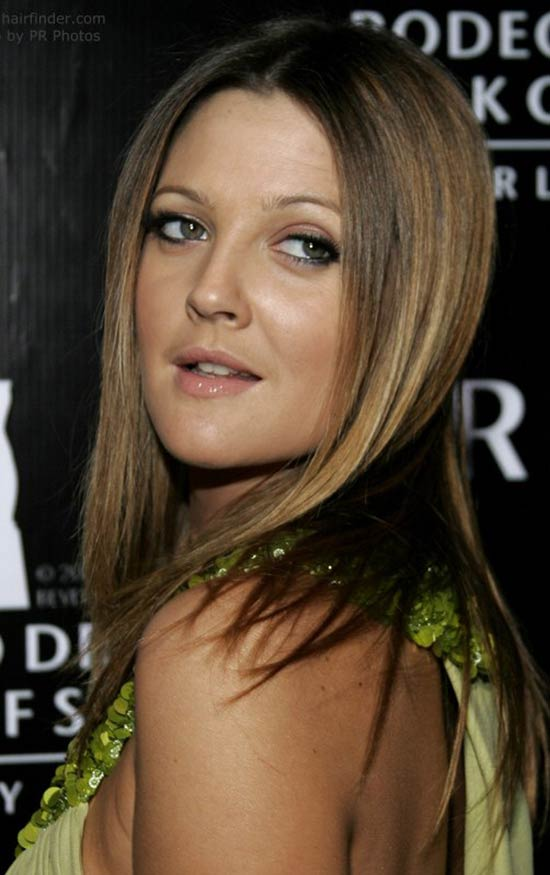 Drew-Barrymore--Long-straight-hair-with-angled-sides