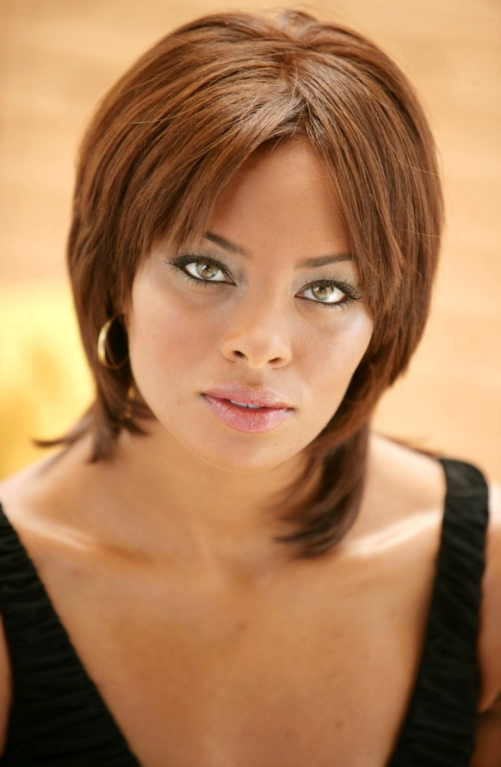 Eva Marcille short bob haircut with bangs