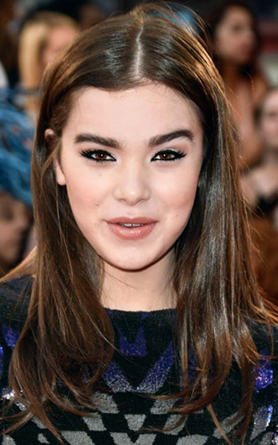 Hailee-Steinfeld Short Brown Hairstyles