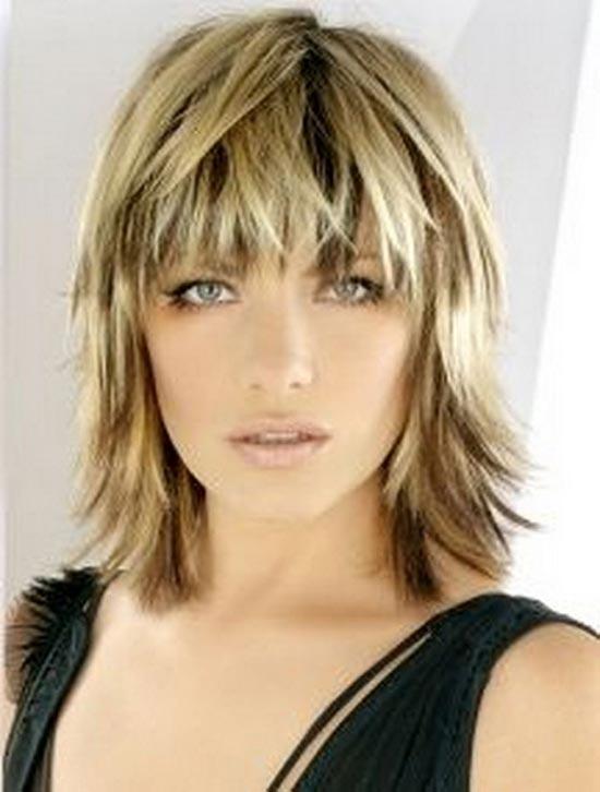 Kelly Clarkson Medium bob Hairstyles