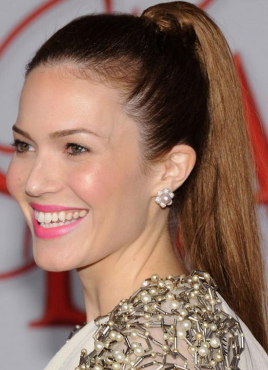 Top 29 Mandy Moore S Hairstyles Amp Haircuts Ideas To
