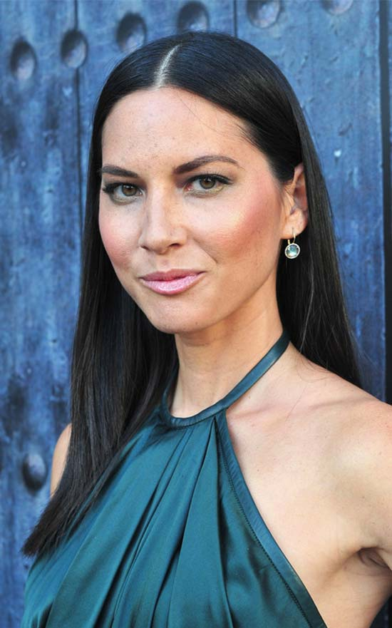 Olivia Munn Middle Parted Long Straight Cut