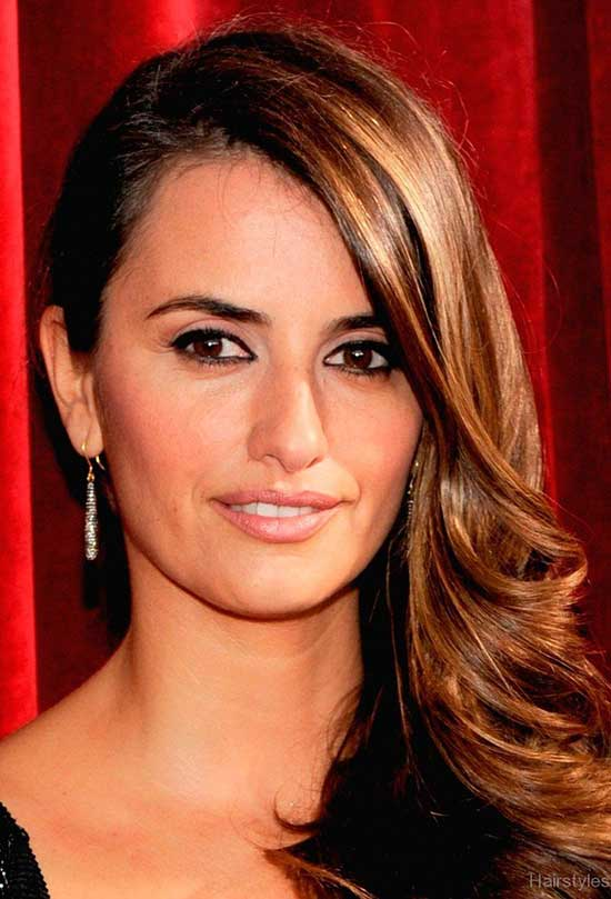 Penélope Cruz Brown Layered Hairstyle