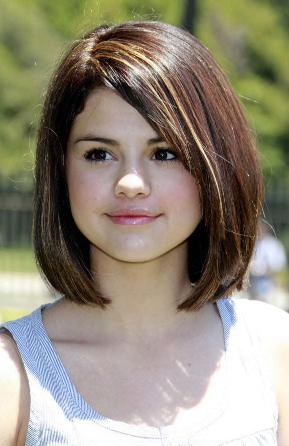 18 Selena Gomez Trendy Hairstyles Amp Haircuts Try It Today