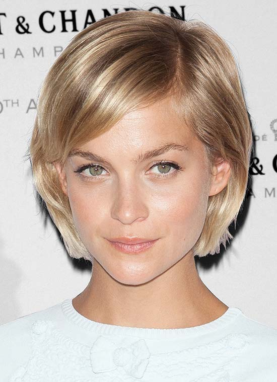 15 Gorgeous Short Straight Hairstyles - That will Inspire