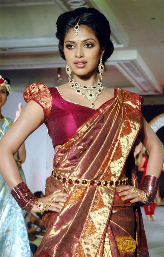 Amala Paul In Traditional Pattu Saree
