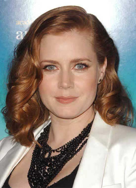 Amy Adams Medium Wavy Hairstyle