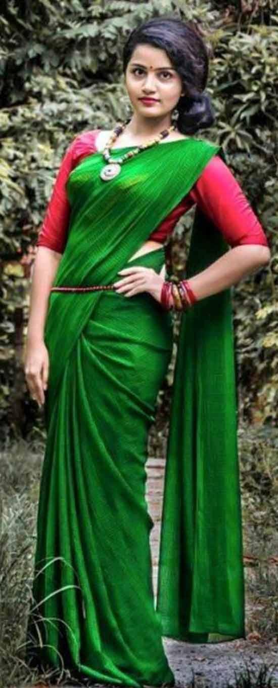 Anupama parameswaran In Green Saree