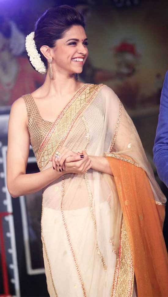 Deepika-Padukone-looking-graceful-in-an-organza-silk-saree