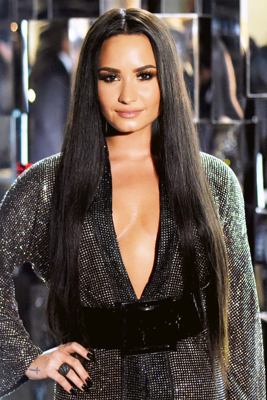 Demi Lovato Lob Haircut