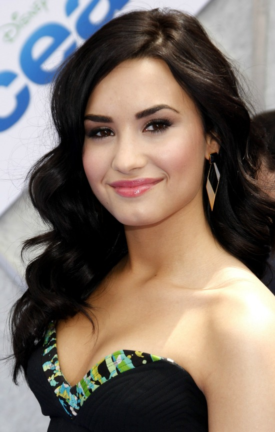 Demi Lovato Long Layered Hair