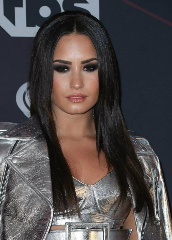 Demi Lovato Long Straight Hair