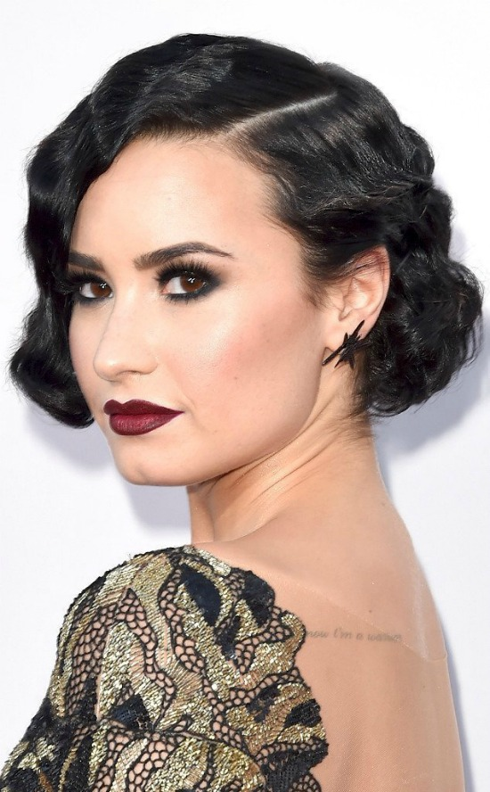 Demi Lovato Short Wavy Bob Haircut