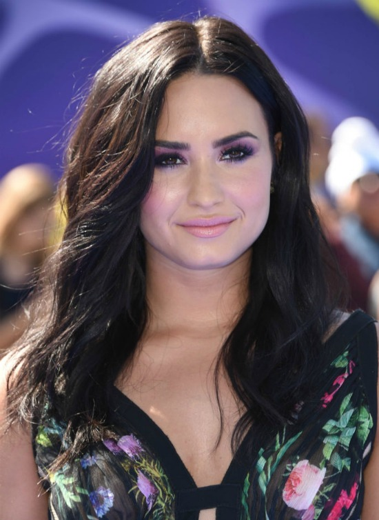 Demi Lovato Shoulder Length Hairstyle