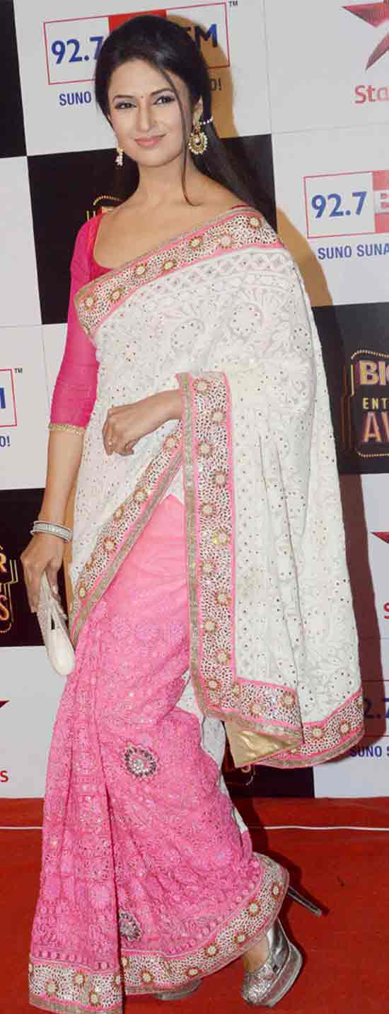 Divyanka-Tripathi-at-the-Big-Star-Entertainment-Awards