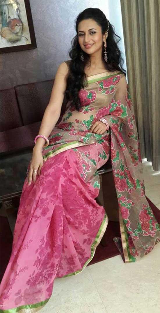 Divyanka-Tripathi-at-the-launch-of-Aradhana-Fashions