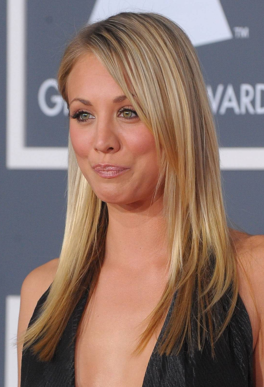 Kaley Cuoco Long Straight Hair